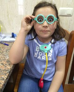 Quieres q te cure... la enfermera chiflada?!?! by rosalia_g_santamonica