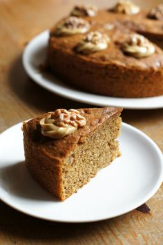 Hearty Bakes: Have a coffee, have a cake! Coffee And Walnut Cake, Cake Recipes, Dessert Recipes, Pie Cake, Eat Dessert First, Piece Of Cakes, Cakes And More, Coffee Break, Amazing Cakes