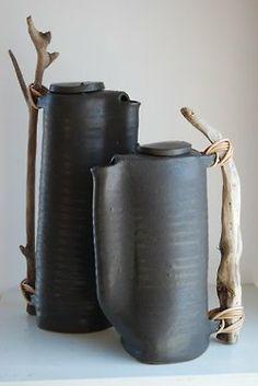 Anne Fallis Elliott                                                                                                                                                      More Sculpture Argile, Sculpture Clay, Slab Pottery, Hand Built Pottery, Pottery Art, Ceramic Pottery, Pottery Wheel, Ceramic Design, Terracotta