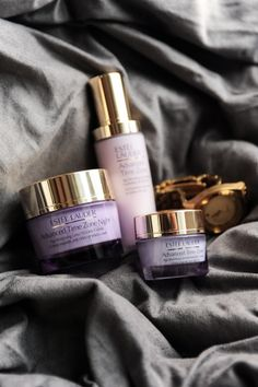 Shop the Advanced Time Zone skincare collection at Estée Lauder. Helps skin boost its natural production of hyaluronic acid. Skin Care Spa, Face Skin Care, Skin Care Regimen, Free Makeup Samples, Perfume, Beauty Cream, Estee Lauder, Aerin Lauder, Facial Care