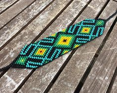 Corte colombiana medicina Bead Loom Patterns, Peyote Patterns, Bracelet Patterns, Beading Patterns, Beaded Braclets, Bead Loom Bracelets, Bracelet Crafts, Tablet Weaving, Bead Weaving