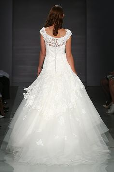 This dress should be so pretty for a formal wedding. Cymbeline, 2014