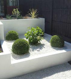 Buxus spheres and hydrangea jardin moderne par gardenplan design moderne White Gravel, Raised Flower Beds, Raised Beds, Garden Spheres, Patio Deck Designs, Diy Garden Projects, Garden Ideas, Buxus, Side Garden