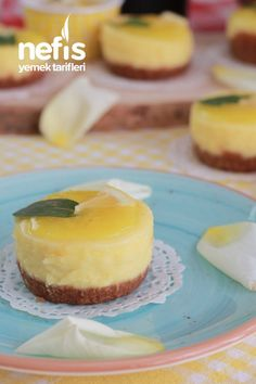 Lemon Mini Portion Cheesecake - Delicious Recipes to the Desserts For A Crowd, Easy Desserts, Dessert Recipes, Dessert Simple, Cherry Chutney Recipes, No Bake Banana Pudding, No Bake Oreo Cheesecake, Cakes Plus, Easy Chocolate Chip Cookies