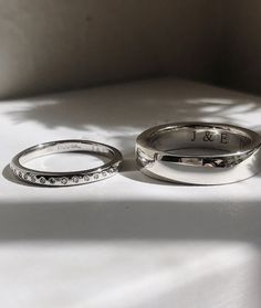 Handmade gold rings, engagement ring and wedding bands by RUUSK jewellery. Customise your ring online, made to order in Sydney Australia Rings Online, Sydney Australia, Hand Carved, Wedding Bands, Gold Rings, Sapphire, It Cast, Carving, Organic