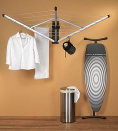 Prático e funcional este varal para parede da holandesa Brabantia é compacto e fácil de armar, sendo ótimo para estender suas roupas e decorar área de serviço. http://www.spicy.com.br/DetalheProduto.aspx?idProdutoSku=UZ1SL4OSPS