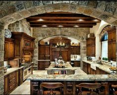 Home Design, Decorating & Remodeling Ideas — Kitchen by JAUREGUI Architecture Interiors. Future House, My House, Cabin Homes, Log Homes, Style At Home, Beautiful Kitchens, Beautiful Homes, Rustic Kitchen Design, Closed Kitchen Design
