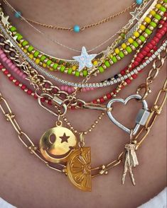 Funky Jewelry, Cute Jewelry, Jewelry Accessories, Jewelry Necklaces, Handmade Jewelry, Unique Jewelry, Estilo Hippie, Beaded Necklace, Beaded Bracelets