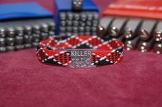 Ein Blick in unseren Shop kann sich lohnen. Viele tolle Produkte warten dort auf euch;-)  Das Armband ist *rot/schwarz/weiß.*  Da ist er, der Schmuck