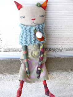 Muñeca gata de lino y algodón con pelo de alpaca y seda. de AntonAntonThings en Etsy