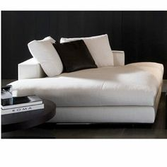 Minotti Hamilton Daybed & Chaise Longue - Style # Ham157DB, Modern and contemporary daybeds at SWITCHmodern.com