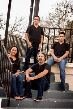 Family photography by Daniel Grove at facebook.com/DanielGrovePhotography