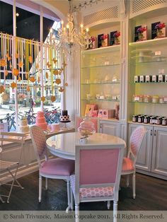 Peggy Porschen Cafe by Sarah Trivuncic Maison Cupcake