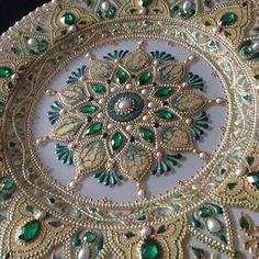 Best 12 Yulya Stepanova's photos Dot Art Painting, Mandala Painting, Diy Art, Mandala Dots, Plate Art, Henna Art, Pictures To Paint, Stone Art, Fractal Art