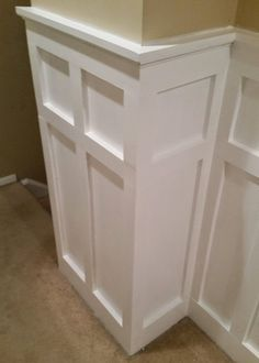 Room Decor A Step-by-Step Tutorial on How to Install White Painted Board and Batten Wainscoting in a Square over Rectangle Pattern Installing Wainscoting, Wainscoting Styles, Wainscoting Height, Wainscoting Nursery, Wainscoting Kitchen, Wood Wainscoting, Wall Molding, Moulding, Molding Ideas