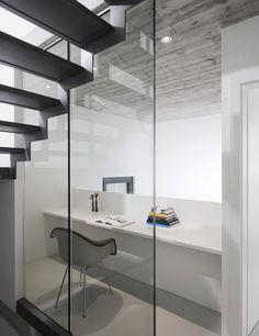 Casa Rizza by Studio Inches. Photography is by Tonatiuh Ambrosetti and Daniela Droz.