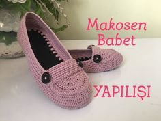 Makosen babet yapılışını tüm detaylarıyla anlattım 😊 Yapacak olanlara… I explained the construction of loafers with all the details in Let those who will do it easy now 😊 Materials: Crochet Sandals, Crochet Boots, Crochet Slippers, Crochet Baby, How To Make Moccasins, Crochet Slipper Pattern, Knitted Baby Clothes, Shoe Pattern, Slipper Boots