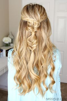 I am so excited about today's tutorial because I always fall in love with cute bohemian hairstyles. This half updo has two dutch braids that connect into two little bubble fishtail braids and is so quick and easy to do. It's a great look for… Prom Hairstyles For Long Hair, French Braid Hairstyles, Bohemian Hairstyles, Trending Hairstyles, Hairstyles With Bangs, Teenage Hairstyles, Hairstyles Videos, Beautiful Hairstyles, Short Haircuts