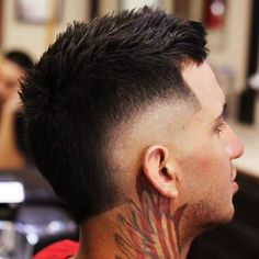 Burst Fade Mohawk Hairstyles for Black Men Mohawk Hairstyles Men, Popular Mens Hairstyles, Cool Hairstyles For Men, Haircuts For Men, Men's Haircuts, Mullet Fade, Hair And Beard Styles, Short Hair Styles, Burst Fade Mohawk