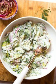 Cucumber Yogurt Salad, Cucumber Salad Dressing, Cucumber Recipes, Salad Recipes, Tzatziki, Greek Yogurt Dressing, Greek Salad, Marinated Cucumbers, Rotisserie Chicken Salad