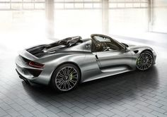 #Porsche #918Spyder: Super-sized 20-inch-wheels at the front and even larger 21-inch wheels at the rear. Learn more: http://link.porsche.com/918?pc=918XXPINGA Combined fuel consumption in accordance with EU 5: 3.3-3.0 l/100 km, CO2 emissions 79-70 g/km. Electricity consumption 12.5-13.0 kWh/100 km.