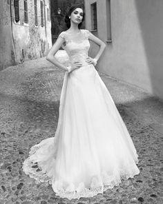 Breathtakingly beautiful Alessandra Rinaudo wedding dresses 2015 collection: http://www.modwedding.com/2014/10/01/breathtakingly-beautiful-alessandra-rinaudo-wedding-dresses-2015-bridal-collection/ #wedding #weddings #wedding_dress