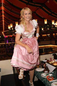 Kristina Bach beim 15. Promi Wiesn Treff der Mainstream  Media AG Goldstar TV…