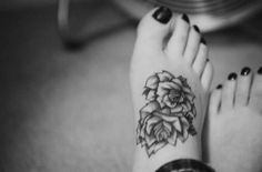 Best 10 Sexy Foot Tattoo Designs For Women - MomsMags   MomsMags