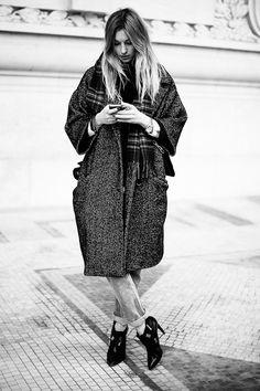 Fotos de street style en Paris Fashion Week: El estilo no es lo que se lleva, sino cómo se lleva