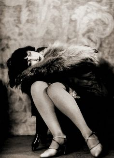 Woman in fur, 1926. Photo by Aleksandr Grinberg.