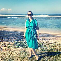 Сегодня был невероятный день!!! Открыли для себя по настоящему магическое место! О нём расскажу обязательно, но чуть позже. Сейчас сил нет всё описать и передать словами. А это мы на южном побережье, где нет коралловых рифов и потому огромные волны и нельзя купаться. Но красота необыкновенная! Хочу еще поблагодарить девочек из @sollo_shop , которые специально для поездки подарили мне красивущую крокодиловую сумочку, очень удобную для туристических вылазок!