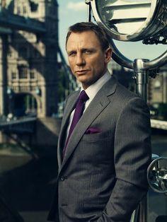 Idée et inspiration Look de star pour homme tendance 2017   Image   Description   Daniel Craig