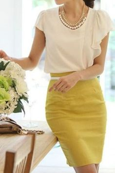Yellow Plain Pleated Knee Length Office Worker/Daily Skirt