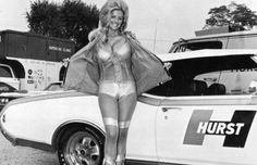 """Linda Vaughn, the legendary """"Miss Hurst Golden Shifter"""" Linda Vaughn, the lovely, leggy, legend of the auto racing scene from the through the early was better know… Car Show Girls, Car Girls, Hot Rods, Linda Vaughn, Convertible, Pin Up, Grid Girls, Us Cars, Drag Cars"""