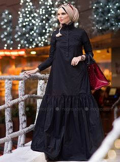 The perfect addition to any Muslimah outfit, shop Muslima Wear's stylish Muslim fashion Black - Fully Lined - Muslim Evening Dress. Find more Muslim Evening Dress at Modanisa! Modesty Fashion, Abaya Fashion, Fashion Dresses, Muslim Evening Dresses, Muslim Dress, Islamic Fashion, Muslim Fashion, Modest Dresses, Modest Outfits