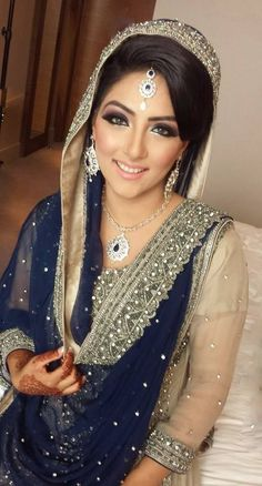 Love the colour combo Indian Wedding Gowns, Pakistani Wedding Dresses, Pakistani Outfits, Indian Dresses, Indian Outfits, Pakistan Fashion, India Fashion, Asian Fashion, Bridal Dupatta