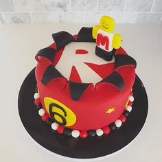 Roblox Birthday Cake Inside: 12 Honey-Chocolate layers with whipped buttercream filling aka Spartak Cake #robloxcake #minecraftcake #explosioncake