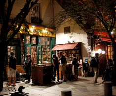 peoplewithbooks: solitaires:bookmania:Nocturnal readers at Shakespeare Co. (photo by Everita) Shakespeare Co. at night. Shakespeare And Company, Love Reading, Reading Nooks, Paris Travel, Book Lovers, Good Books, Around The Worlds, In This Moment, Bookstores