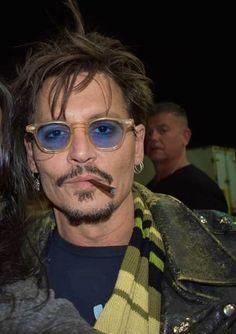 Johnny Depp Haircut, Johnny Depp Fans, Young Johnny Depp, The Hollywood Vampires, In Hollywood, Marlon Brando, Johnny Depp Wallpaper, Captain Jack Sparrow, Beard Styles For Men