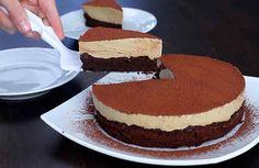 Pastel de chocolate con crema de café. Sin harina.