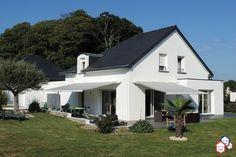 Vous rêvez d'une maison neuve dans le Morbihan ? Faites un bel achat immobilier entre particuliers avec cette villa de 2008 à Quéven. http://www.partenaire-europeen.fr/Actualites/Achat-Vente-entre-particuliers/Immobilier-maisons-a-decouvrir/Maisons-a-vendre-entre-particuliers-en-Bretagne/Maison-contemporaine-F6-geothermie-garage-jardin-terrasse-ID2794833-20151002 #maison