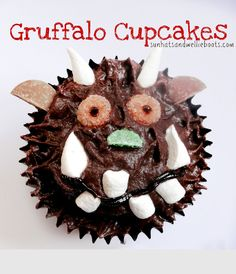 Aren't these simply the cutest? Love the Gruffalo cupcakes