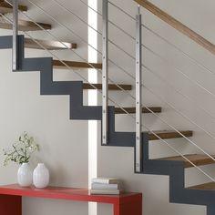 Sanierte Treppe Holz Metall und Stahl mit Bucher Treppen Modell FERRO