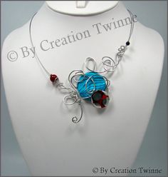 cool funky jewelry, blue and red nekclace, weddings necklace, wire work jewelry, unique handmade jew Funky Jewelry, Beaded Jewelry, Unique Jewelry, Jewelry Ideas, Jewlery, Unique Necklaces, Handmade Necklaces, Handmade Jewelry, White Necklace