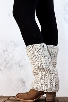 SILENCE – Women's Leg Warmer Knitting Pattern :) Techniques: Knit-in-the-rou. - Linda Potter - Ich Folge : SILENCE – Women's Leg Warmer Knitting Pattern :] Techniques: Knit-in-the-rou… – Linda Potter – Loom Knitting, Knitting Socks, Knitting Patterns, Crochet Socks, Knit Or Crochet, Knit Purl Stitches, Knit Leg Warmers, Super Bulky Yarn, How To Purl Knit