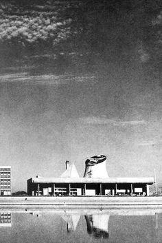 Fondation Le Corbusier - Buildings - Palais de l'Assemblée