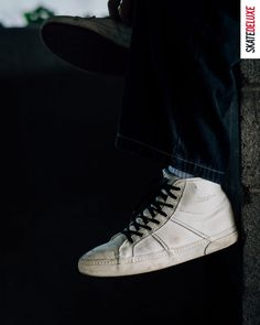 The Globe Los Angered II in Off White. A Colorway by Sammy Montano - get your pair! Skate Shoe Brands, Skate Shoes, New Skate, Shoe Releases, Nike Sb, Off White, Skateboard, Globe, Converse