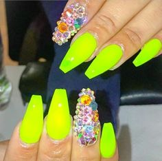 💗 Funky Nail Art, Funky Nails, Neon Nails, Dope Nails, Yellow Nails, Bling Nails, My Nails, Stiletto Nails, Coffin Nails