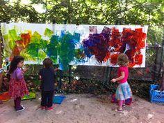 Sharin' with Sharron: Outdoor Art - Fly Swatter Painting! Outside Activities, Classroom Activities, Preschool Activities, Classroom Crafts, Motor Activities, Outdoor Activities, Outdoor Paint, Outdoor Play, Outdoor Ideas