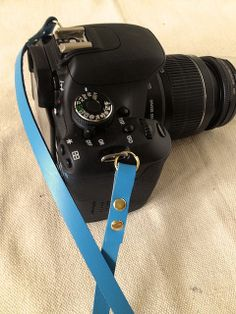 Fabric Paper Glue | 5-Minute Camera Strap by fabricpaperglue, via Flickr
